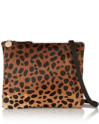 braune Wildleder Clutch mit Leopardenmuster von Clare Vivier