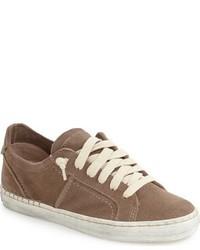 braune Wildleder niedrige Sneakers