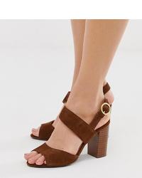 braune Wildleder Sandaletten von New Look Wide Fit