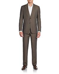 brauner Anzug mit Karomuster