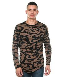 brauner Camouflage Pullover mit einem Rundhalsausschnitt von MADMEXT