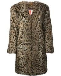 brauner Pelz mit Leopardenmuster