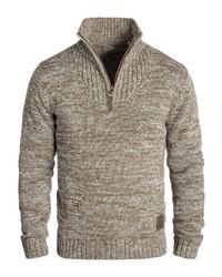 brauner Pullover mit einem Reißverschluss am Kragen von Solid