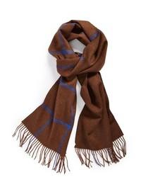 brauner Schal mit Schottenmuster