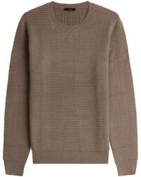 brauner Strick Pullover mit einem Rundhalsausschnitt