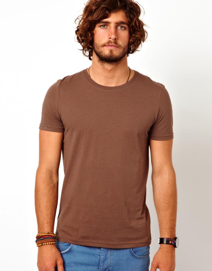66a7ea1ef92d3 ... Rundhalsausschnitt braunes T-Shirt mit einem Rundhalsausschnitt von Asos