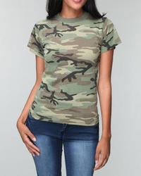 Camouflage T-Shirt mit einem Rundhalsausschnitt