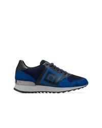 dunkelblaue bedruckte niedrige Sneakers von Versace Collection