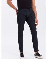dunkelblaue Chinohose mit Schottenmuster von Cross Jeans