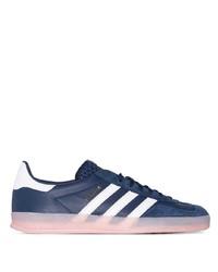dunkelblaue und weiße Leder niedrige Sneakers von adidas