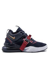 dunkelblaue und weiße Sportschuhe von Nike