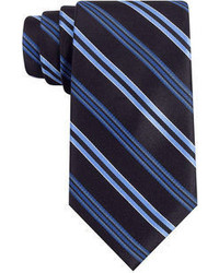 dunkelblaue vertikal gestreifte Krawatte