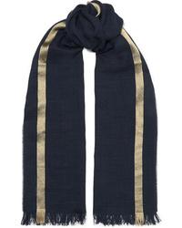 dunkelblauer horizontal gestreifter Schal von Johnstons of Elgin