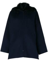 dunkelblauer Mantel mit einem Pelzkragen von P.A.R.O.S.H.