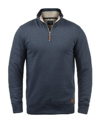 dunkelblauer Pullover mit einem Reißverschluss am Kragen von BLEND