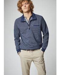 dunkelblauer Pullover mit einem Reißverschluss am Kragen von Pierre Cardin