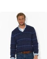 dunkelblauer Pullover mit einem V-Ausschnitt mit Fair Isle-Muster