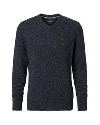 dunkelblauer Pullover mit einem V-Ausschnitt von Marc O'Polo