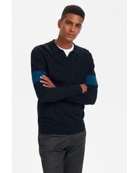 dunkelblauer Pullover mit einem V-Ausschnitt von Matinique