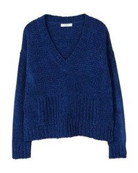 dunkelblauer Pullover mit einem V-Ausschnitt von Mango