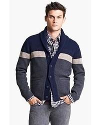 dunkelblauer und weißer Pullover