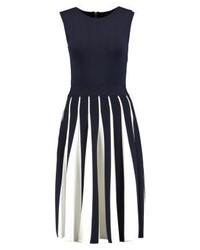 dunkelblaues ausgestelltes Kleid von Ted Baker