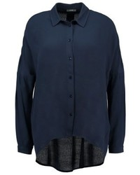dunkelblaues Businesshemd von KIOMI