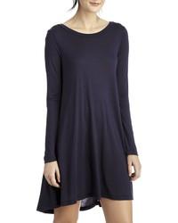 dunkelblaues schwingendes Kleid