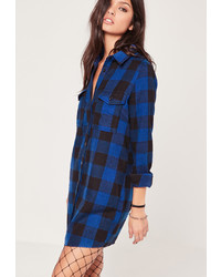 dunkelblaues Shirtkleid mit Karomuster