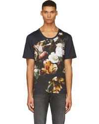 dunkelblaues T-Shirt mit einem Rundhalsausschnitt mit Blumenmuster
