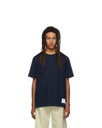 dunkelblaues T-Shirt mit einem Rundhalsausschnitt von Thom Browne
