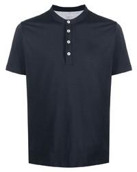 dunkelblaues T-shirt mit einer Knopfleiste von Eleventy