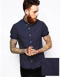 dunkelblaues und weißes gepunktetes Kurzarmhemd