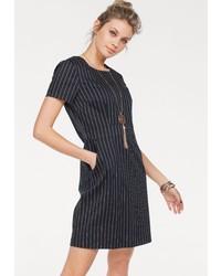 dunkelblaues vertikal gestreiftes gerade geschnittenes Kleid von Vero Moda