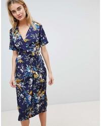 dunkelblaues Wickelkleid mit Blumenmuster von Warehouse