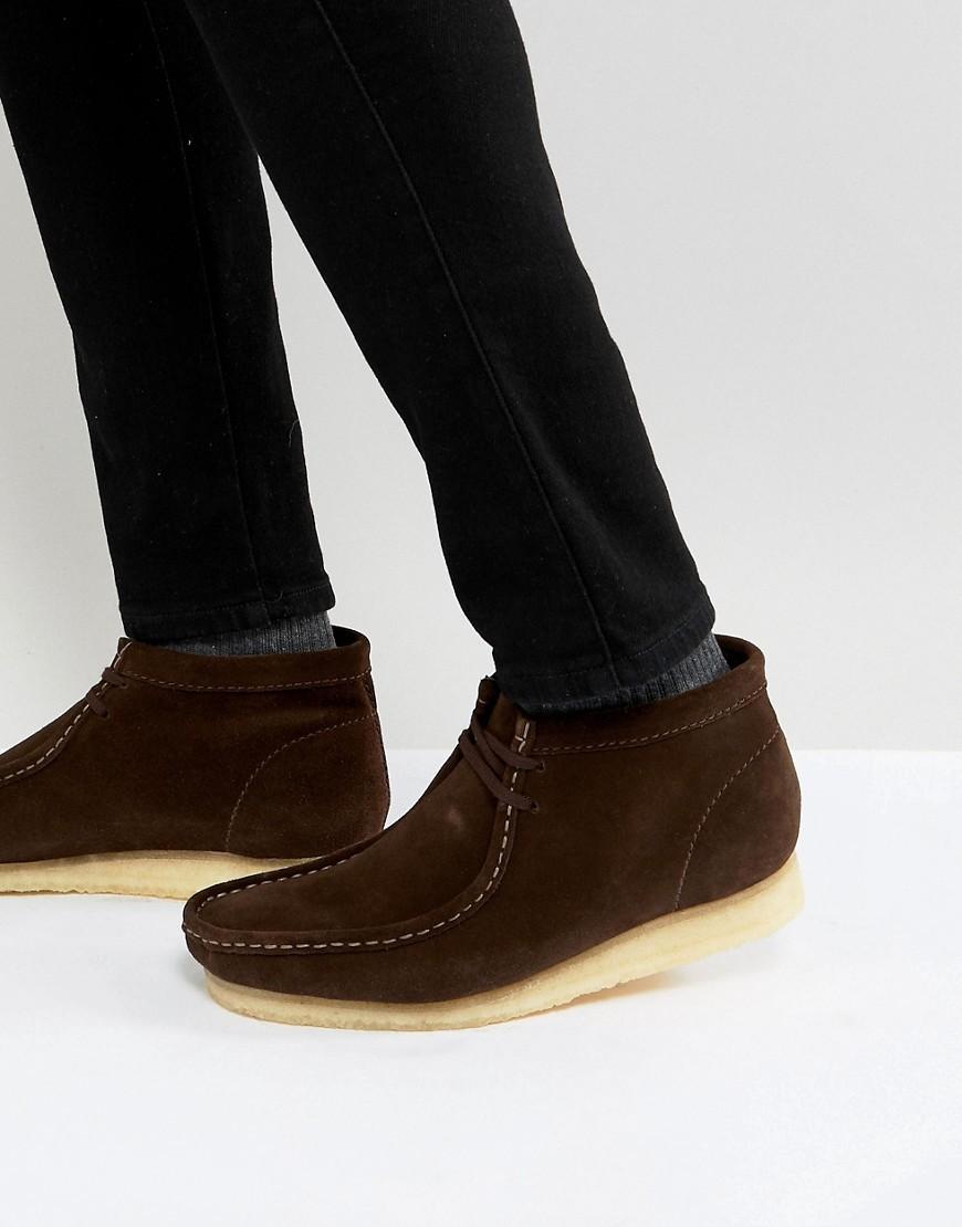 dunkelbraune Chukka Stiefel aus Wildleder von Clarks Originals