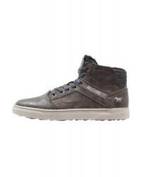 dunkelbraune hohe Sneakers aus Leder von Mustang