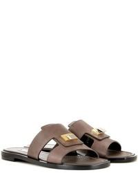 dunkelbraune verzierte flache Sandalen aus Leder