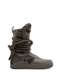 dunkelbraune Winterschuhe von Nike