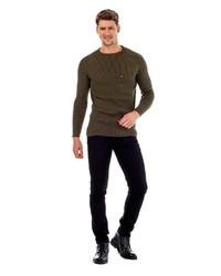dunkelbrauner Pullover mit einem Rundhalsausschnitt von Cipo & Baxx
