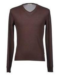 dunkelbrauner Pullover mit einem V-Ausschnitt