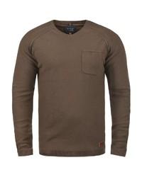 dunkelbrauner Pullover mit einem V-Ausschnitt von BLEND