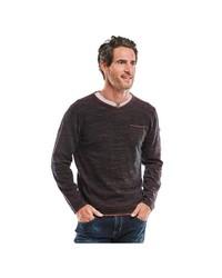 dunkelbrauner Pullover mit einem V-Ausschnitt von ENGBERS