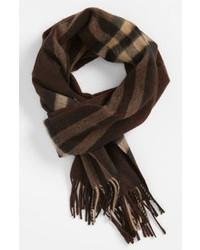 dunkelbrauner Schal mit Schottenmuster