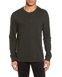 dunkelbraunes Langarmshirt mit einer Knopfleiste