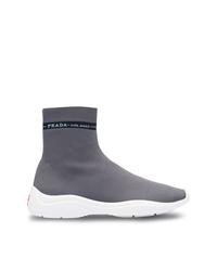 dunkelgraue hohe Sneakers von Prada