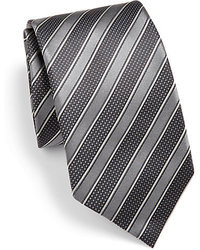 dunkelgraue horizontal gestreifte Krawatte