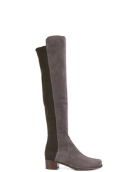 dunkelgraue kniehohe Stiefel aus Wildleder von Stuart Weitzman