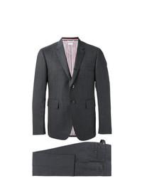 dunkelgrauer Anzug von Thom Browne