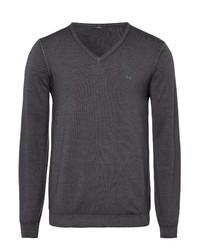 dunkelgrauer Pullover mit einem V-Ausschnitt von Brax